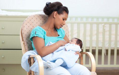 Mon bébé ne tète pas assez – 7 conseils à suivre…