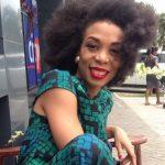 Céline Victoria Fotso en plein tournage au Ghana
