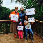 Une famille de 4 personnes dévoile leurs statuts VIH sur Instagram