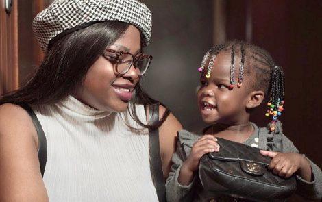 Une internaute insulte l'enfant de David Eto'o, la mère explose !